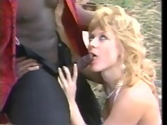 big ass,blonde,blowjob